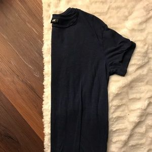 H & M t shirt